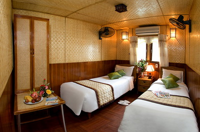 Deluxe Double cabin on Huong Hai Junk